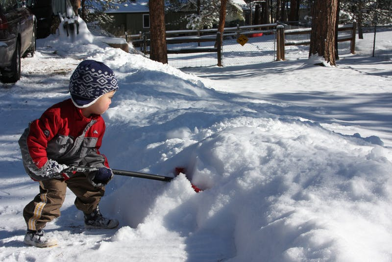 5 tips to safely remove snow this Winter